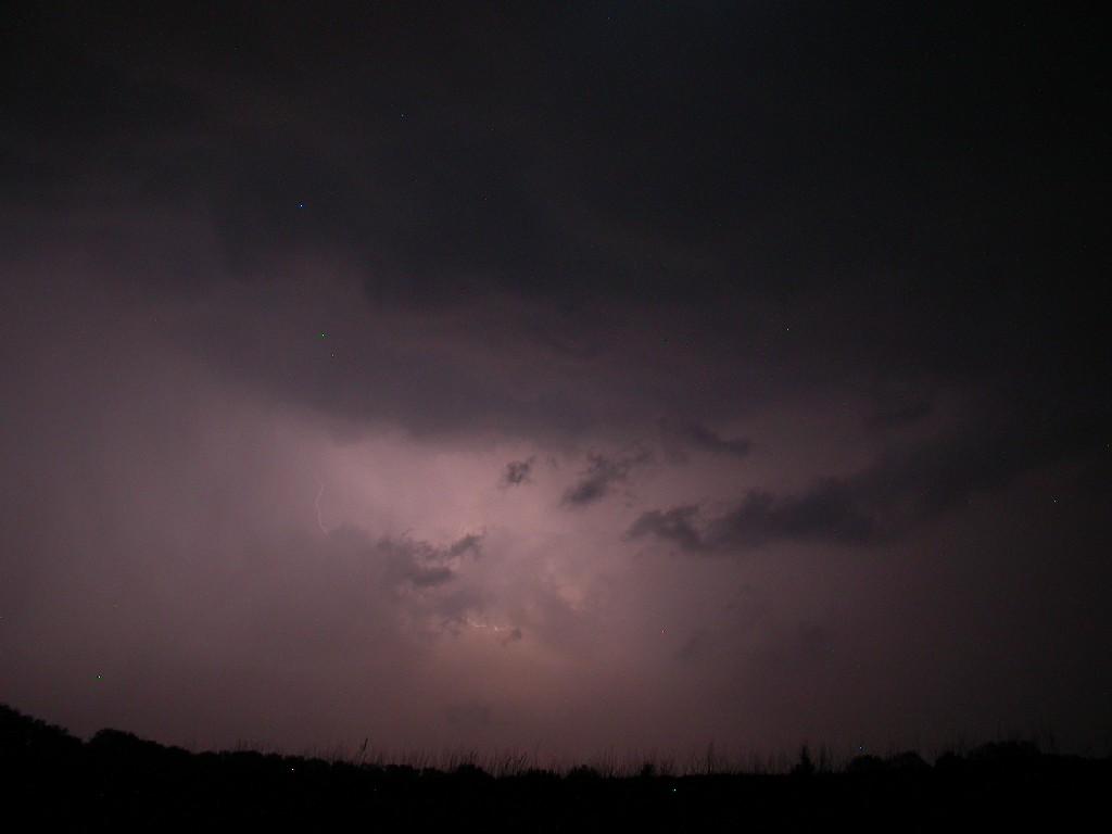 Wetterleuchten mit Blitz